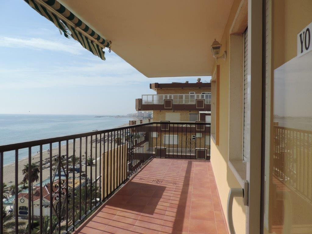 Large and bright apartment on the first line of beach in Los Boliches. Large terrace with frontal vi,Spain