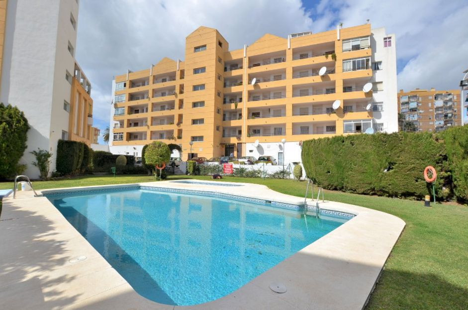 JUST REDUCED FROM 140.000 € to 119.000 € FOR A QUICK SALE!  NICE APARTMENT located in Arroyo de la M,Spain