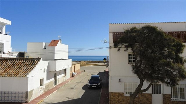 House for sale in La Duquesa, Manilva Costa del Sol, this house is in the small fishing village of C,Spain