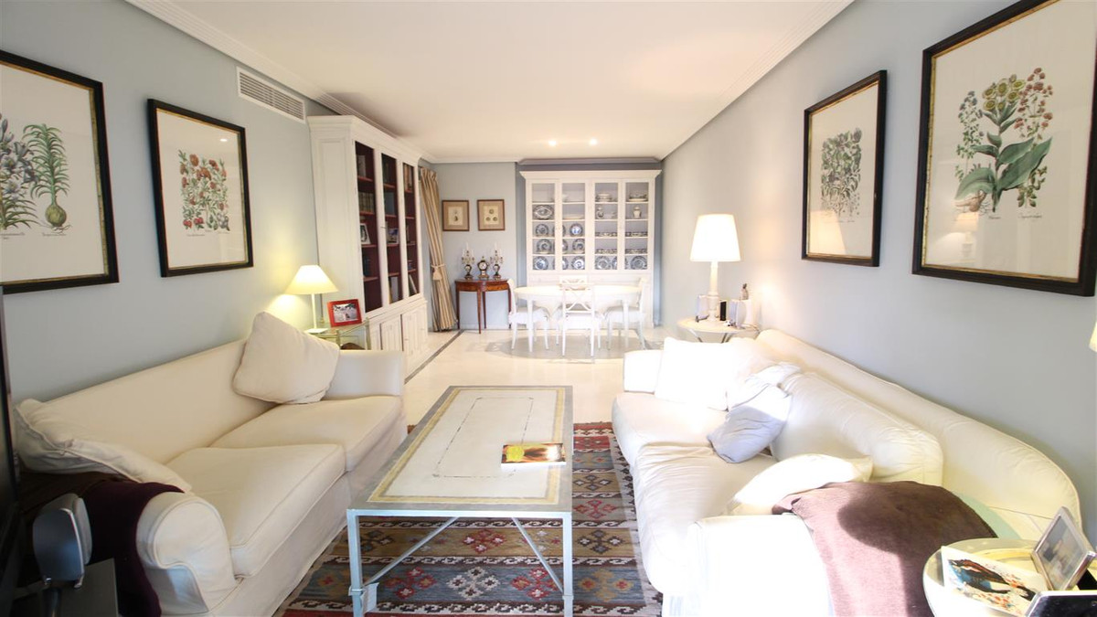 Prime location next to the beach, in prestigious urbanizacion Bahia de Marbella. This lovely apartme, Spain