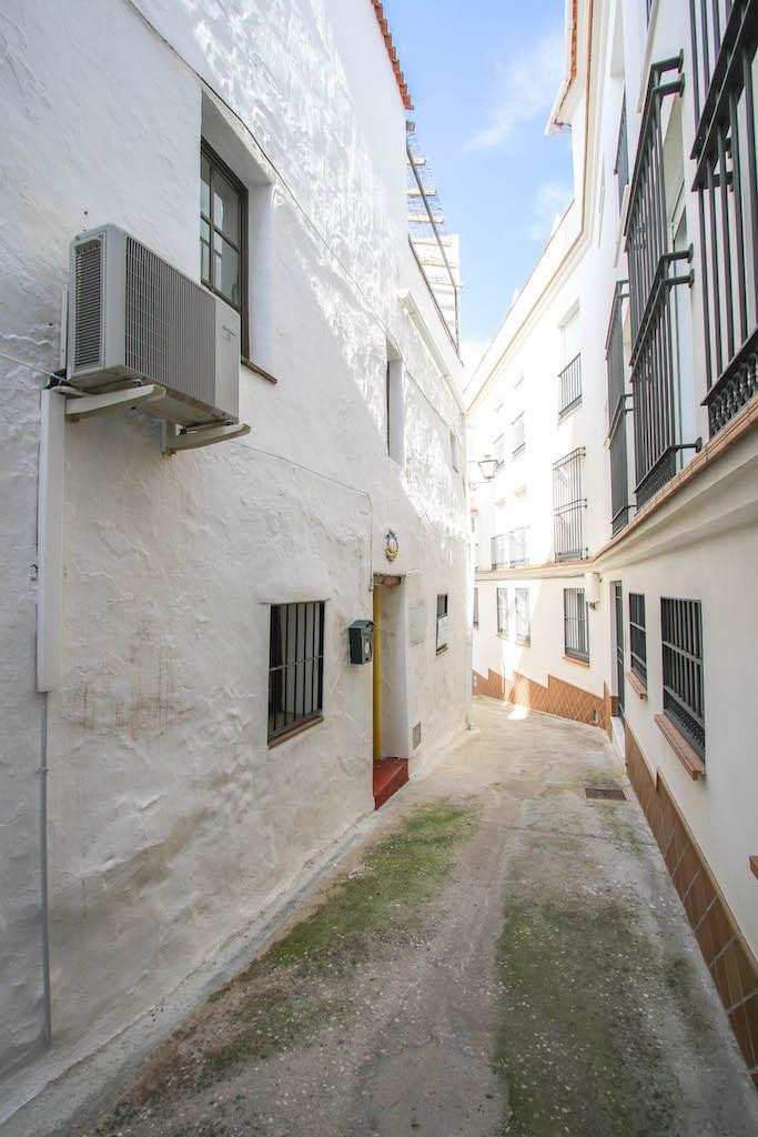 Rustic Styled Town House in the centre of Monda.  This property is located on a lovely street in a v, Spain