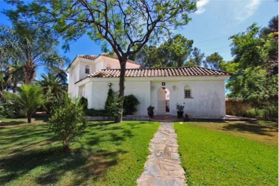 Features - 3 Bedrooms - 3 Bathrooms - 2 Wardrobes - Facing the South - Garden - Swimming-Pool - Terr, Spain