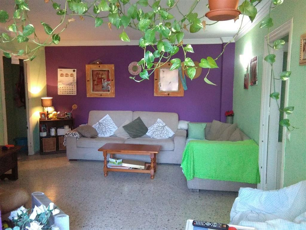 Middle Floor Apartment, San Pedro de Alcantara, Costa del Sol. 3 Bedrooms, 1 Bathroom, Built 80 m², , Spain