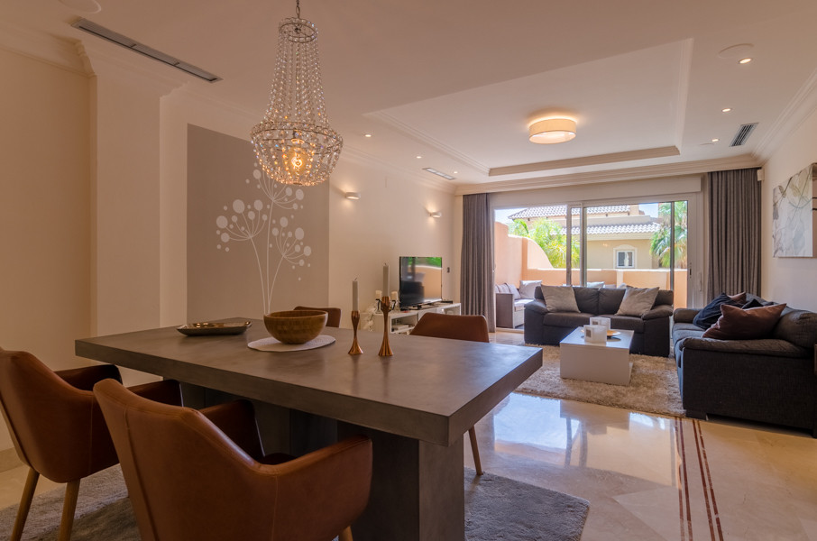 VERY NEW IN THE MARKET!! EXCELLENT 2 BEDROOM APARTMENT IN THE GOLF VALLEY OF NUEVA ANDALUCIA!! PRICE,Spain