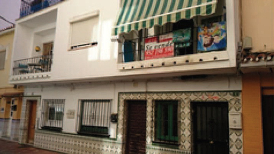 Fuengirola is this comfortable yet spacious apartment of 58 square meters, with 2 bedrooms with the , Spain