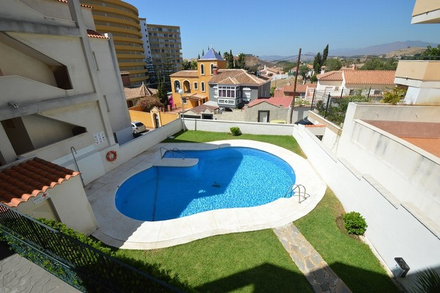 Spacious duplex apartment in perfect condition with terrace, patio and game room or third bedroom lo,Spain