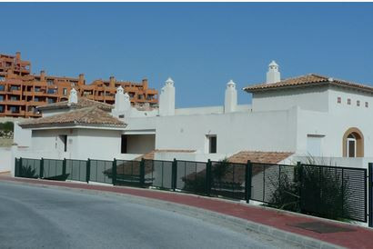 BANK REPOSESSION!!  Great bargain, this new property is located in a gated resort Calahonda. The pro,Spain