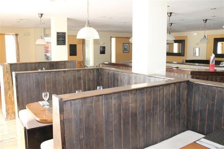 Restaurant, La Duquesa, Costa del Sol. Built 172 m², Terrace 10 m².  Setting : Port, Close To Shops,,Spain