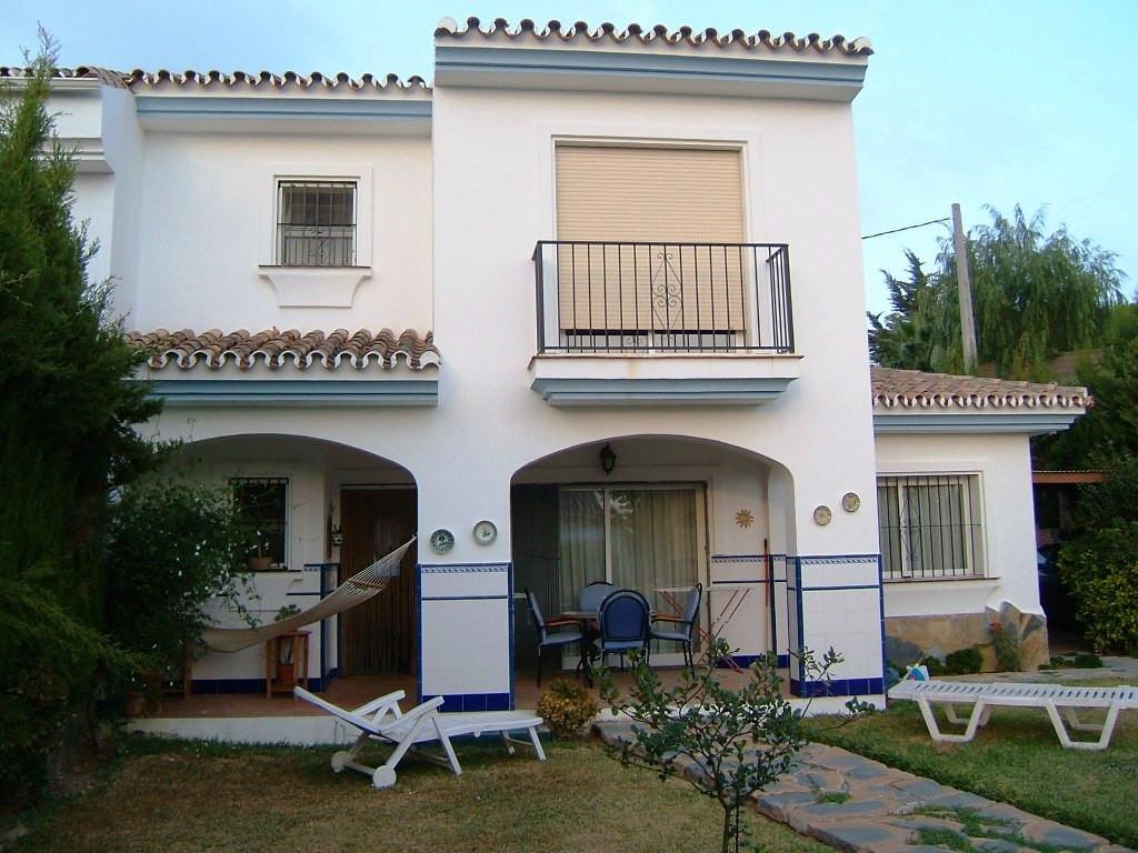 - Year Built: 1991 - Plot 600 m2 - Garden and terraces 400 m2 - House built of 170 m2 - 160 m2 - 4 d,Spain