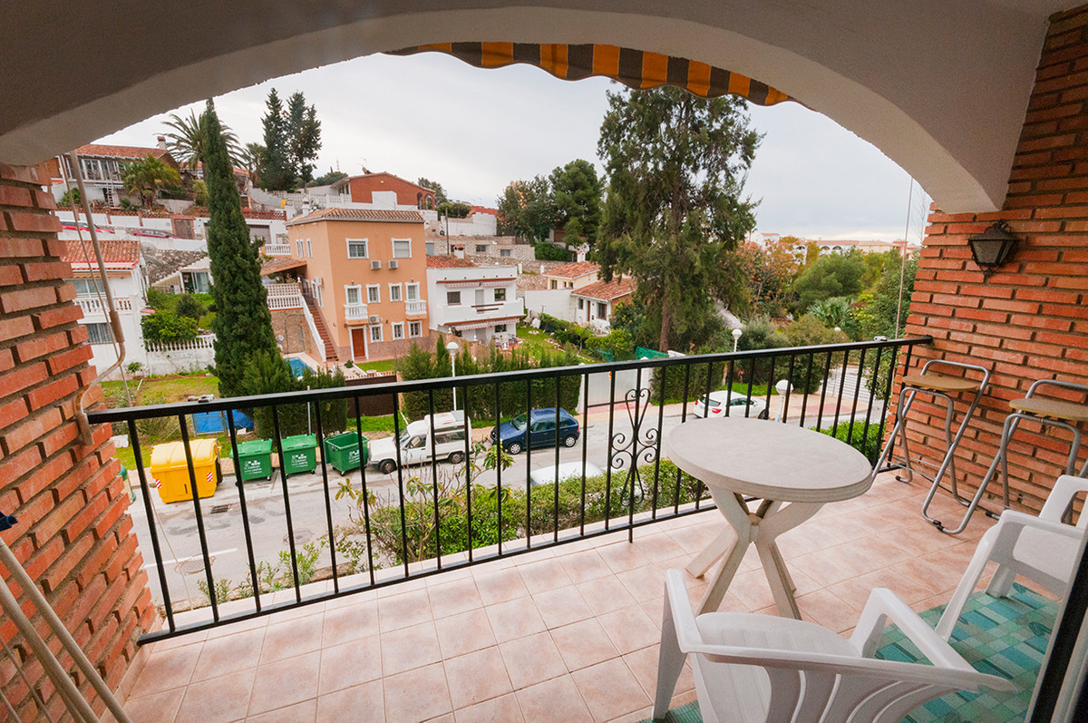 Comfortable studio in Los Pacos!  The studio is situated in Los Pacos, which is greatly favored by F,Spain