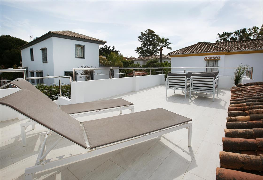 This beautiful 2 bed beachside property is not to be missed as it is extremely rare to find a proper,Spain