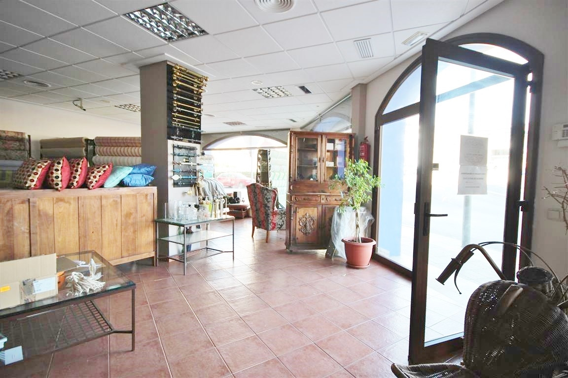 Commercial Premises, San Pedro de Alcantara, Costa del Sol. Built 167 m².  Setting : Commer, Spain