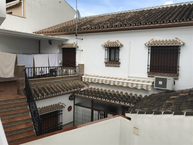 Great town house that we found in Alhaurin el Grande. The property consists of two houses separated ,Spain