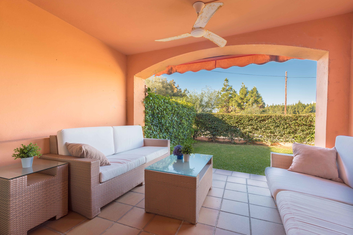 GREAT OPPORTUNITY: LOWEST PRICE IN THE AREA: SEMI-DETTACHED 4 BED HOUSE OVERLOOKING GOLF IN RESERVA ,Spain