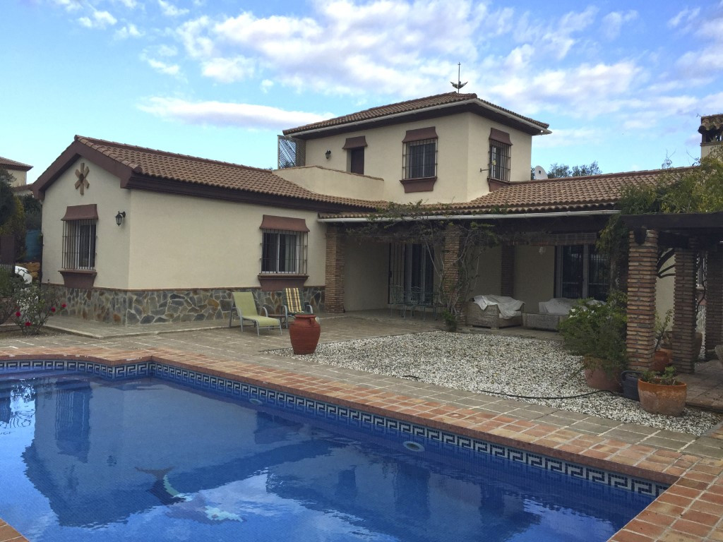 Fabulous country house situated on a flat plot populated with olive trees.  The property has stunnin,Spain