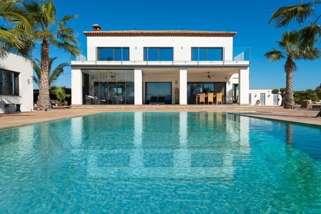 This stunning modern villa has a unique and absolutely priceless characteristic: view. Breathtaking ,Spain