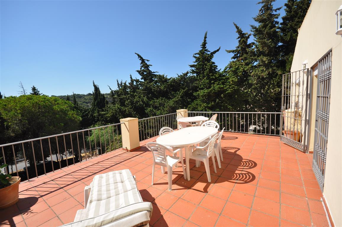 Magnificent andalusian independent Villa. Excellent and quiet position, situated very near from the , Spain
