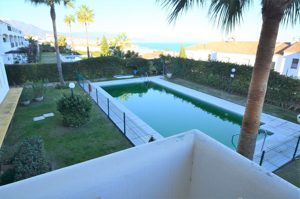 BARGAIN!!! Magnificent ground floor apartment in really good condition. Fully furnished. It located , Spain