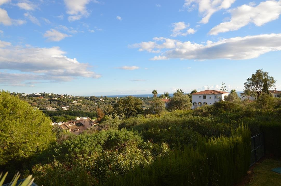 A stunning and very spacious 3 bedroom, 3 bathrooms corner apartment in in a luxury community next t,Spain