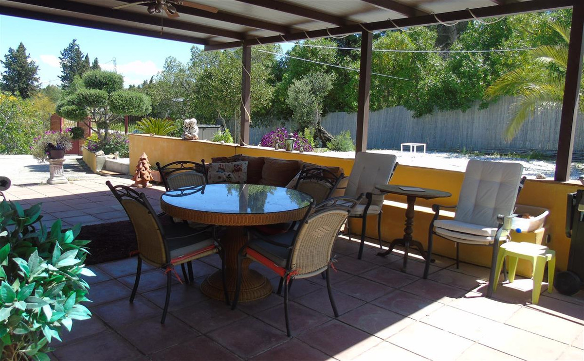 CHARMING 4 BEDROOM COUNTRY HOUSE - COIN This is a good opportunity to own a comfortable 4 bedroom fa, Spain