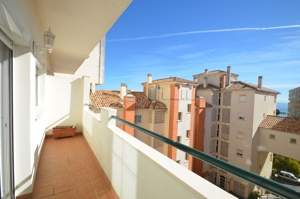 Comfortable apartment with spectacular location in a private and quiet urbanization without children,Spain