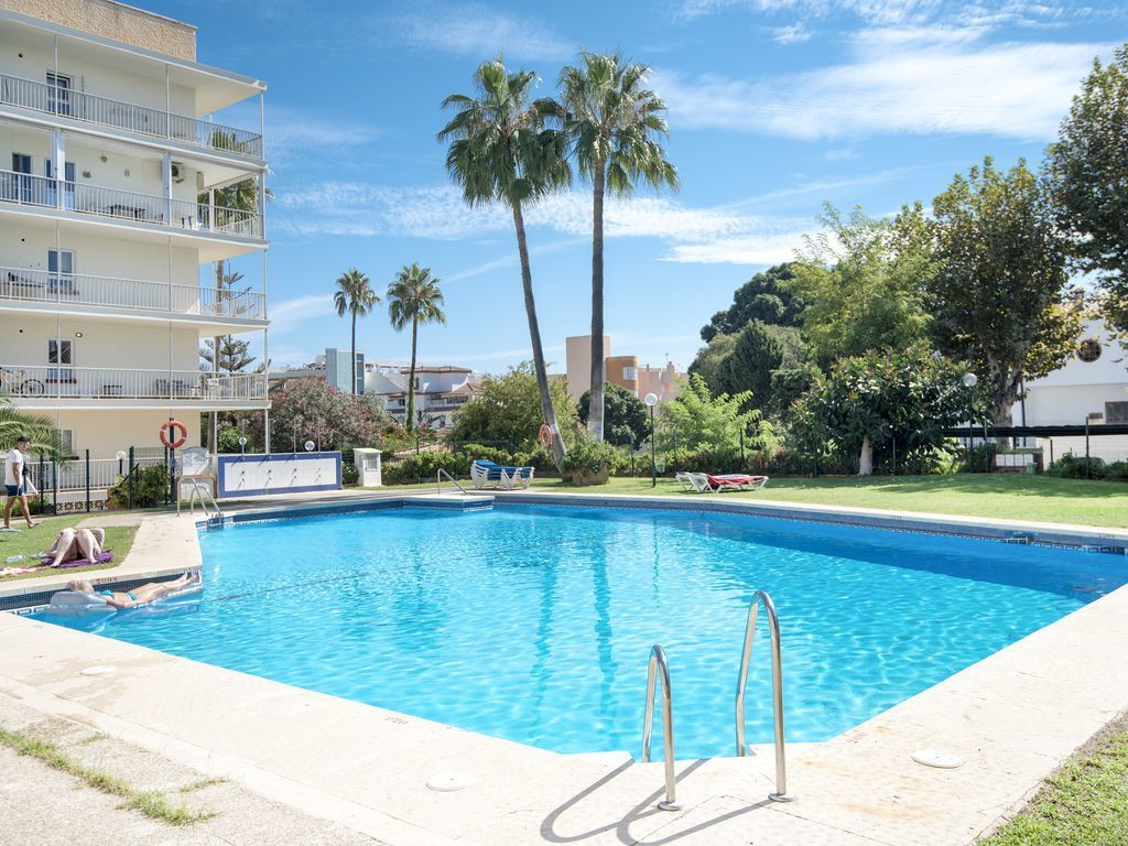 Excellent trio of studios currently configured as a one bed and a studio. A great option for the inv, Spain