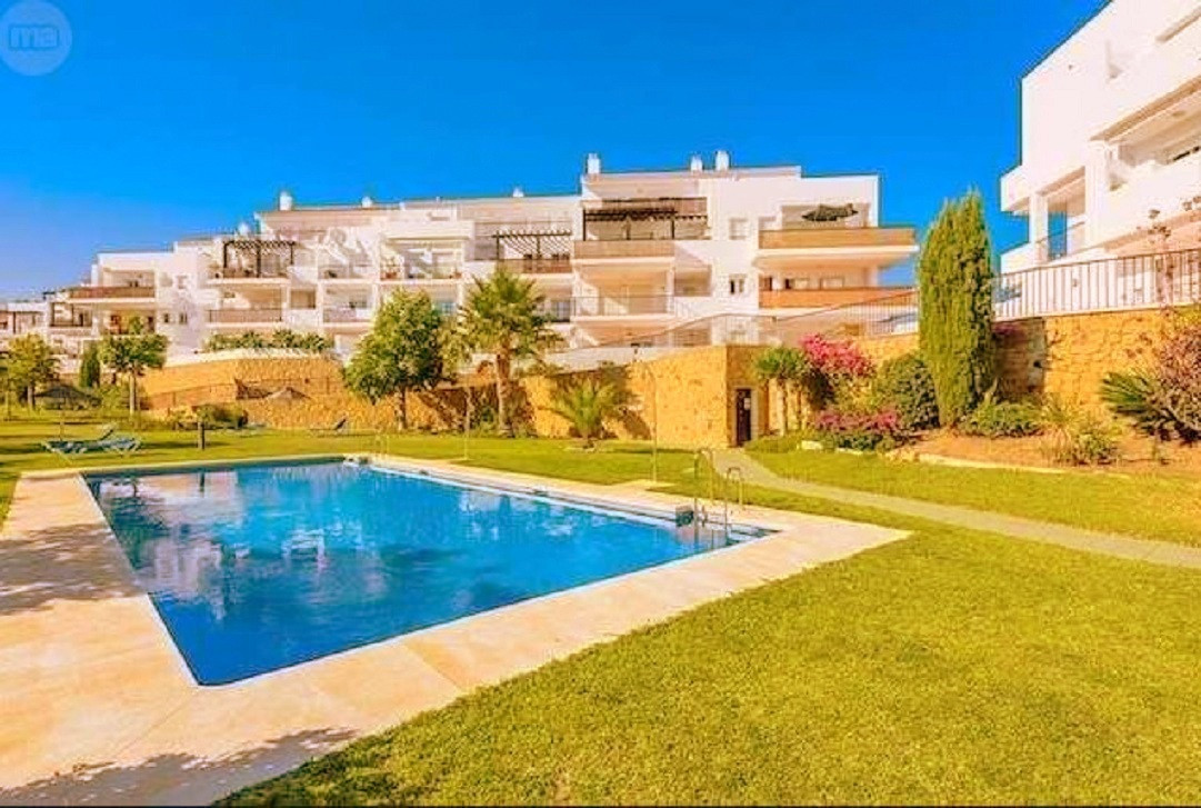 Apartment in very good condition located in a quiet residential area, with elevator, 2 bedrooms, 2 b, Spain