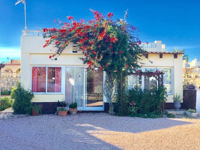 Charming 3 bedroom villa with swimming pool just 10 minutes from the beach at El Campello/Juan.  Wel,Spain