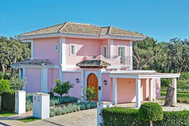 San Roque Golf: 4 bedroom villa overlooking golf and close to stables. Peaceful location, this prope,Spain