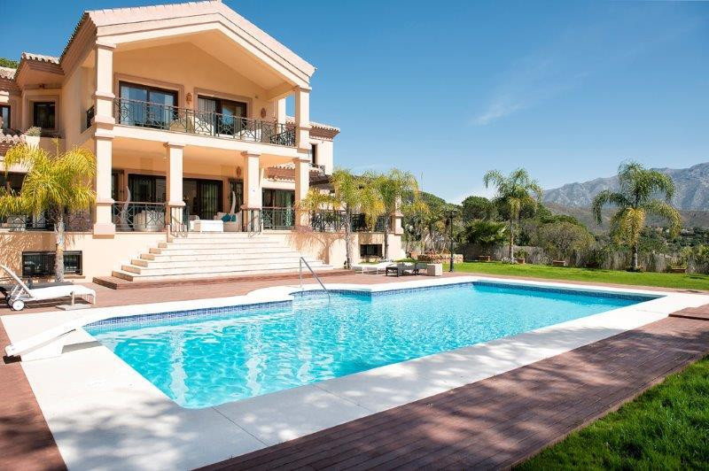 Stunning villa only 4 years old in El Madronal with the most stunning sea views and a great  subtrop,Spain