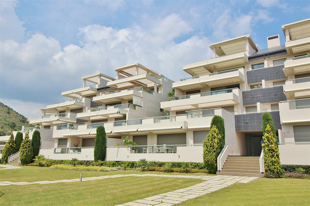 Contemporary frontline golf 2 bedrooms apartment for sale in Benahavis. This south-west facing apart, Spain
