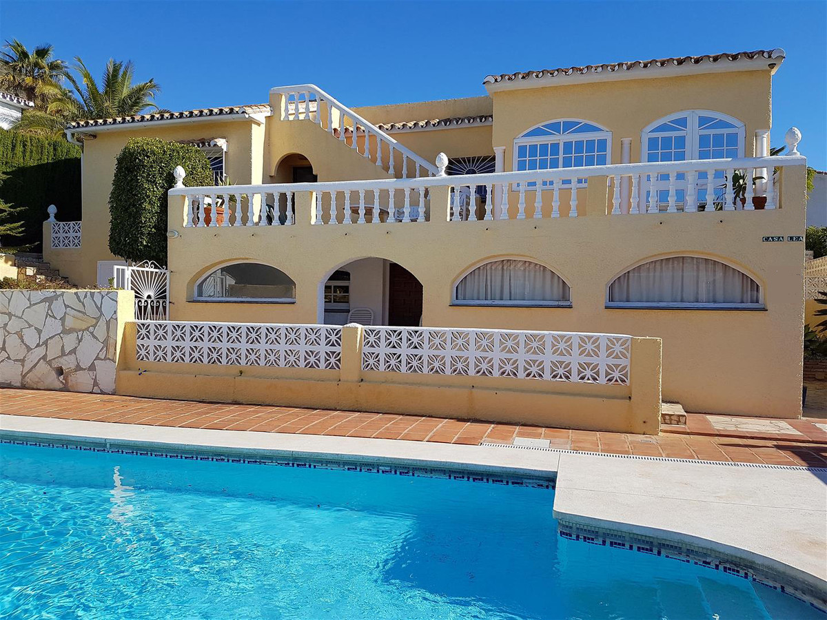 A unique opportunity to purchase a beautiful detached 5-bedroom villa in the much sought after area , Spain