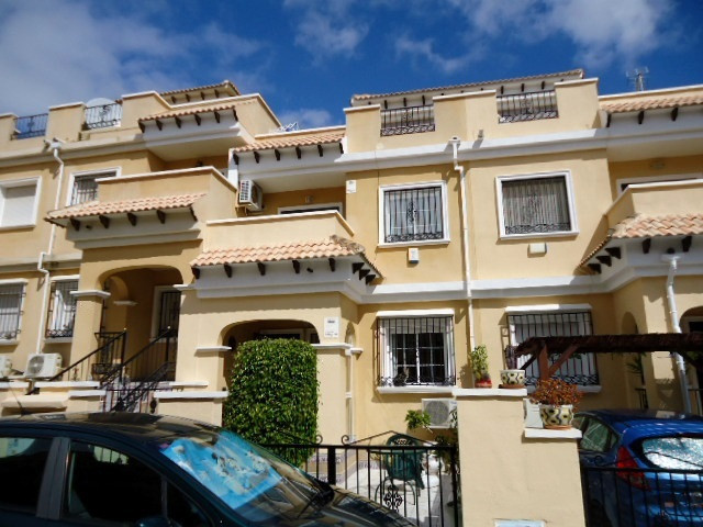 ABSOLUTE BARGAIN, 3 BEDROOM TERRACED TOWNHOUSE IN VILLAMARTIN WITH VIEWS TO THE LAKES. 3 bedroom spa,Spain