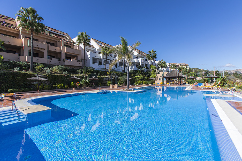 Investment opportunity for this immaculate spacious 2 bedroom apartment set within the popular urban,Spain
