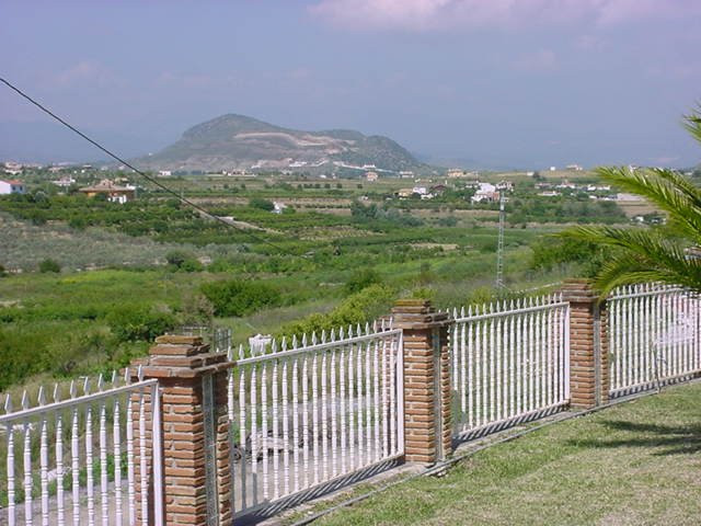 This lovely Finca, named ´Icarus´ is situated in Alhaurin el Grande on a plot of 6.200 m2 with all k,Spain