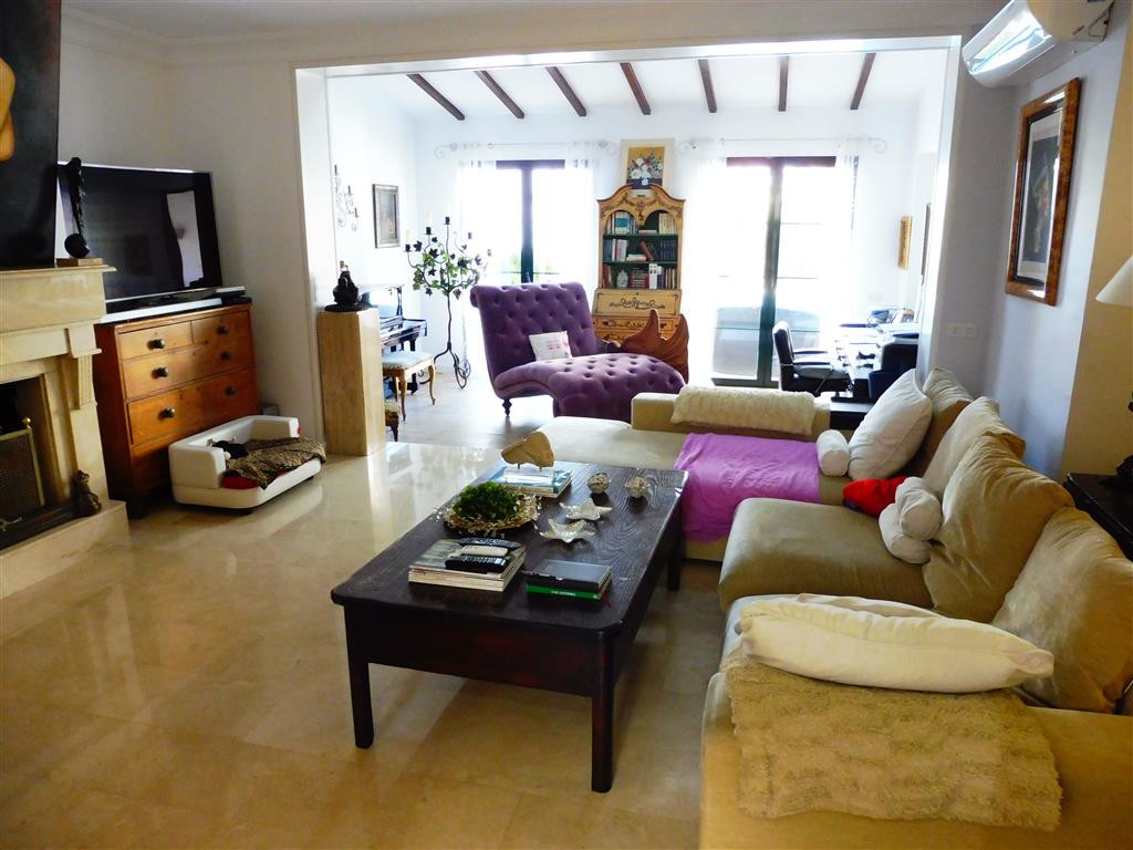 San pedro beachside 4 bedroom townhouse,totally refurbished recently,with private pool south-west fa,Spain