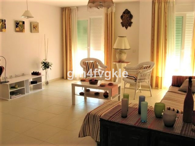 2 bedroom apartment, one of them with bathroom included. Two bathrooms. Furnished and equipped kitch,Spain