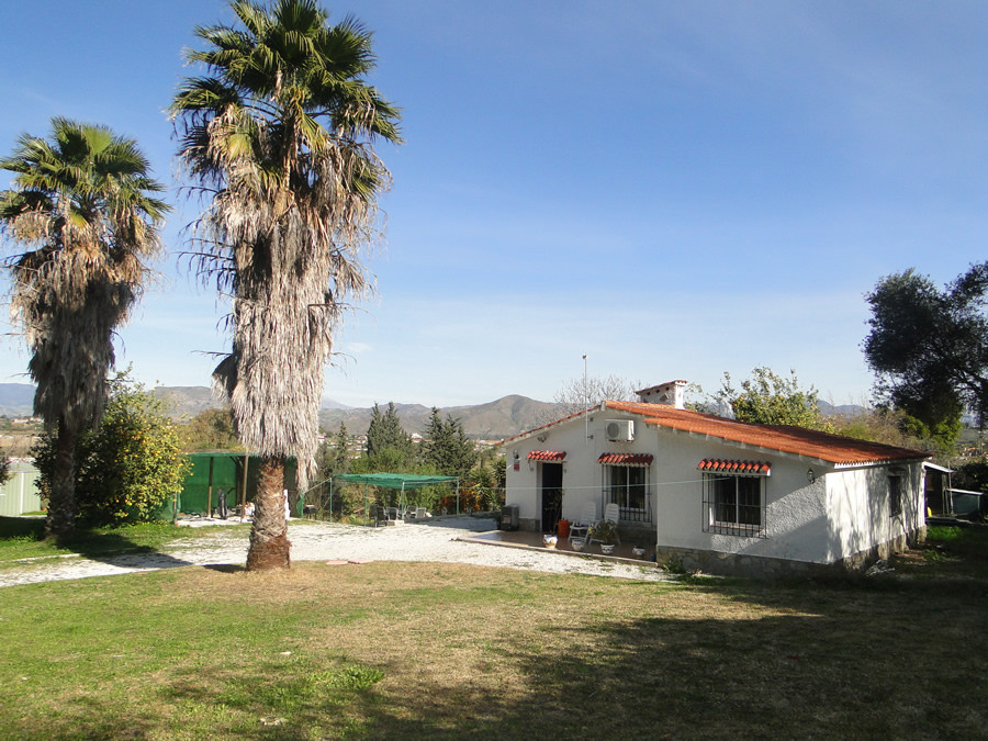 Finca in a beautiful setting with excellent views.  A driveway entrance with lawned garden either si,Spain