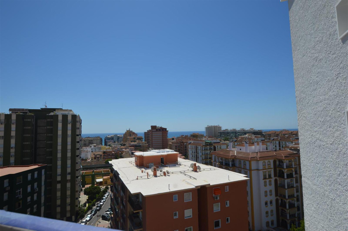Middle Floor Apartment, Los Boliches, Costa del Sol. 1 Bedroom, 1 Bathroom, Built 85 m�, Terrace 10 , Spain
