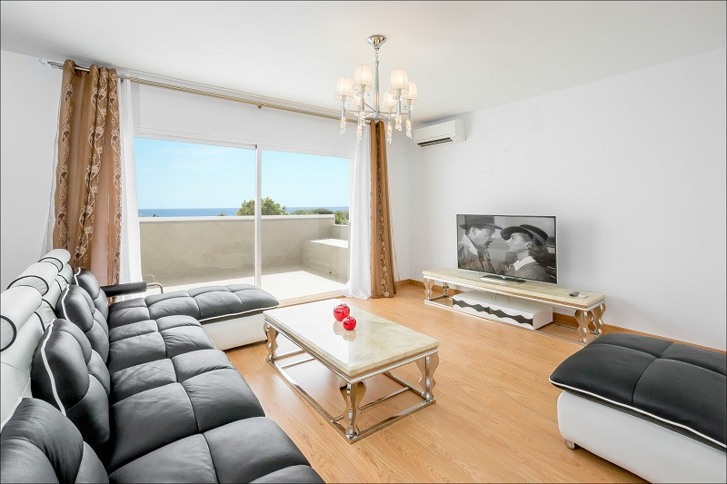 50 METERS FROM THE BEACH Luxury duplex penthouse, completly reformed in May 2016, open plan kitchen ,Spain