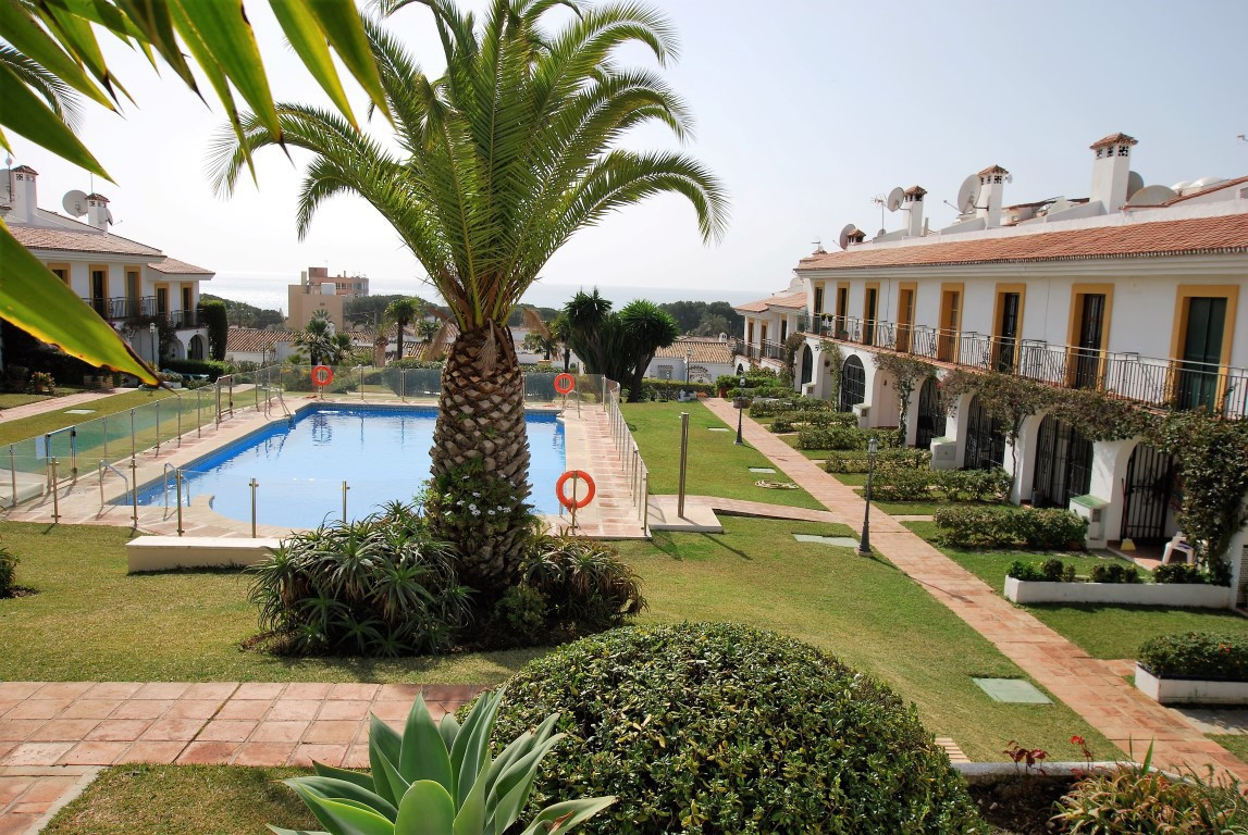 One of a kind villa located on a small community in Calahonda. The villa benefits from 3 levels with,Spain