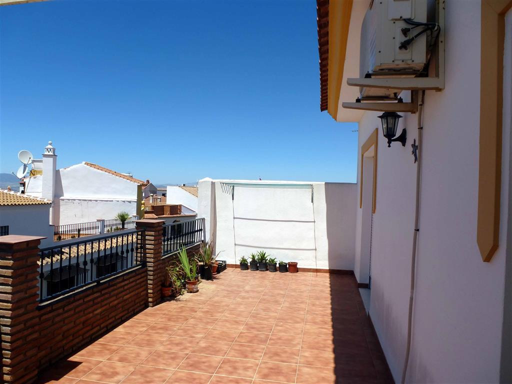 Great modern penthouse facing south near the centre of Alhaurin el Grande, just one step away from a, Spain