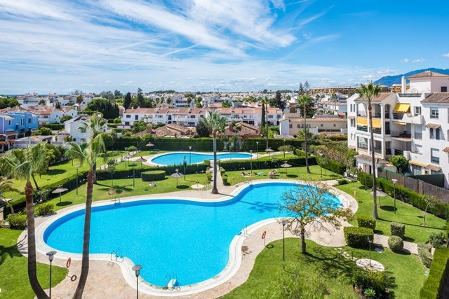 Best value apartments in San Pedro beach, 10 minutes to the Boulevard and town of San Pedro. Walk to,Spain