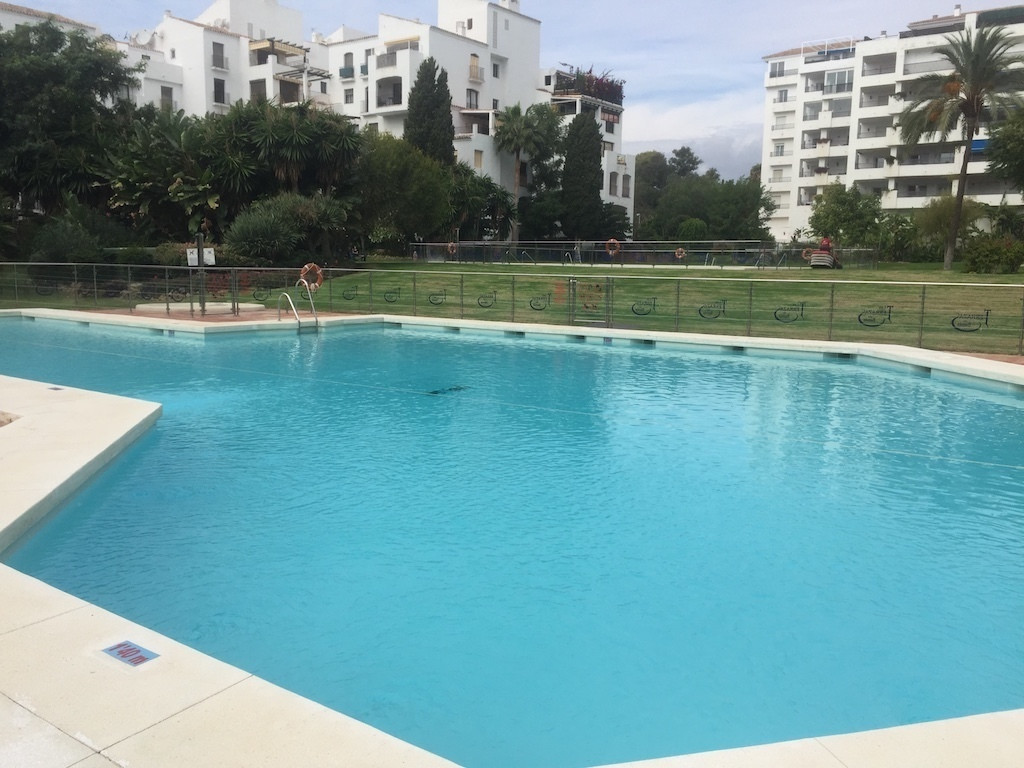 Middle Floor Apartment, Puerto Banus, Costa del Sol. 2 Bedrooms, 2 Bathrooms, Built 110 m².  Setting, Spain