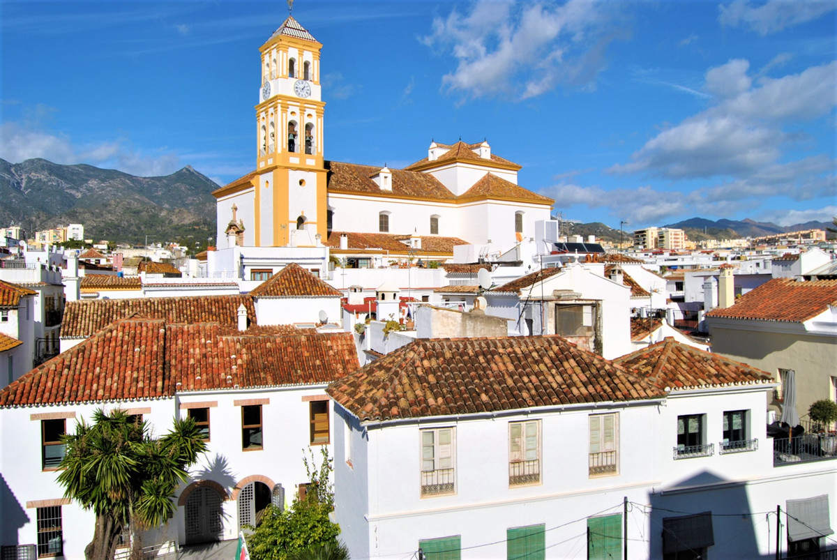 WONDERFUL PENTHOUSE IN THE HEART OF THE OLD TOWN OF MARBELLA.  The house is a couple of minutes from Spain