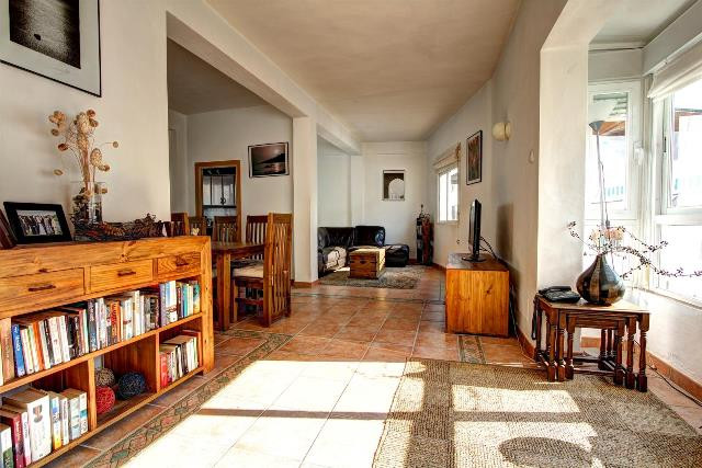 Recently renovated townhouse in Marbella Old Town..  This spacious house is distributed in two floor, Spain