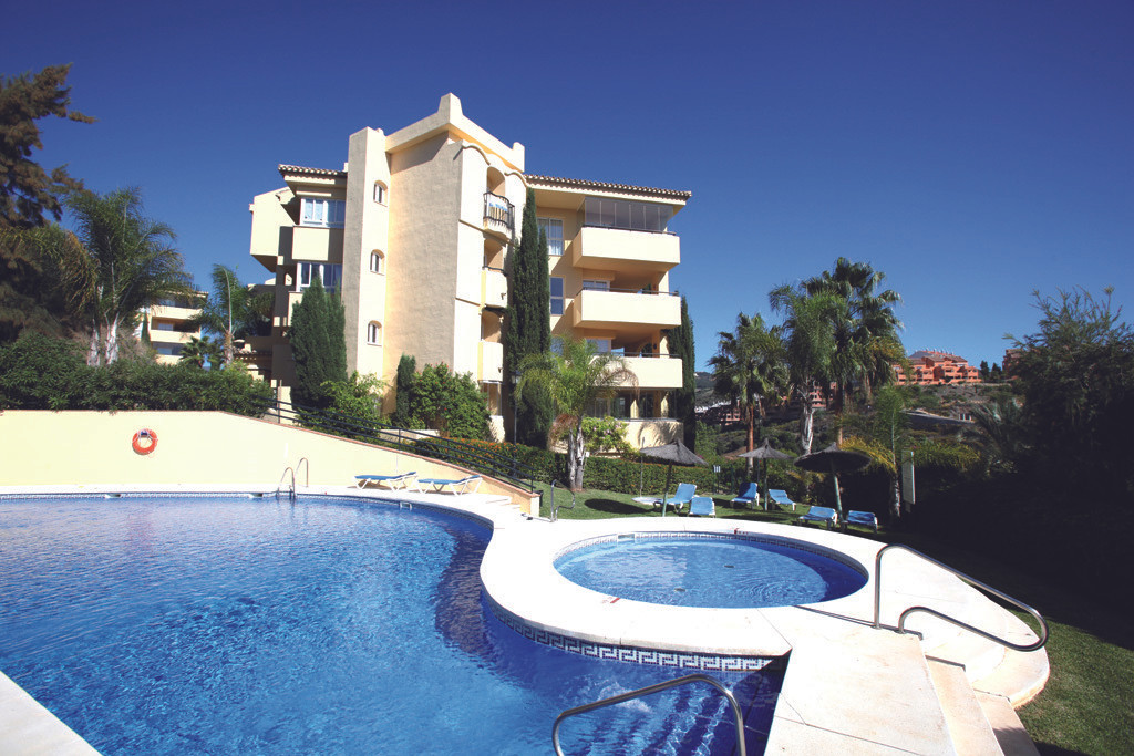 This front-line golf apartment has a wonderful layout! A very spacious living room with big windows ,Spain