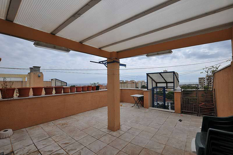 Beautiful penthouse apartment in Marbella center, with sea and mountain views. It has 3 bedrooms and, Spain