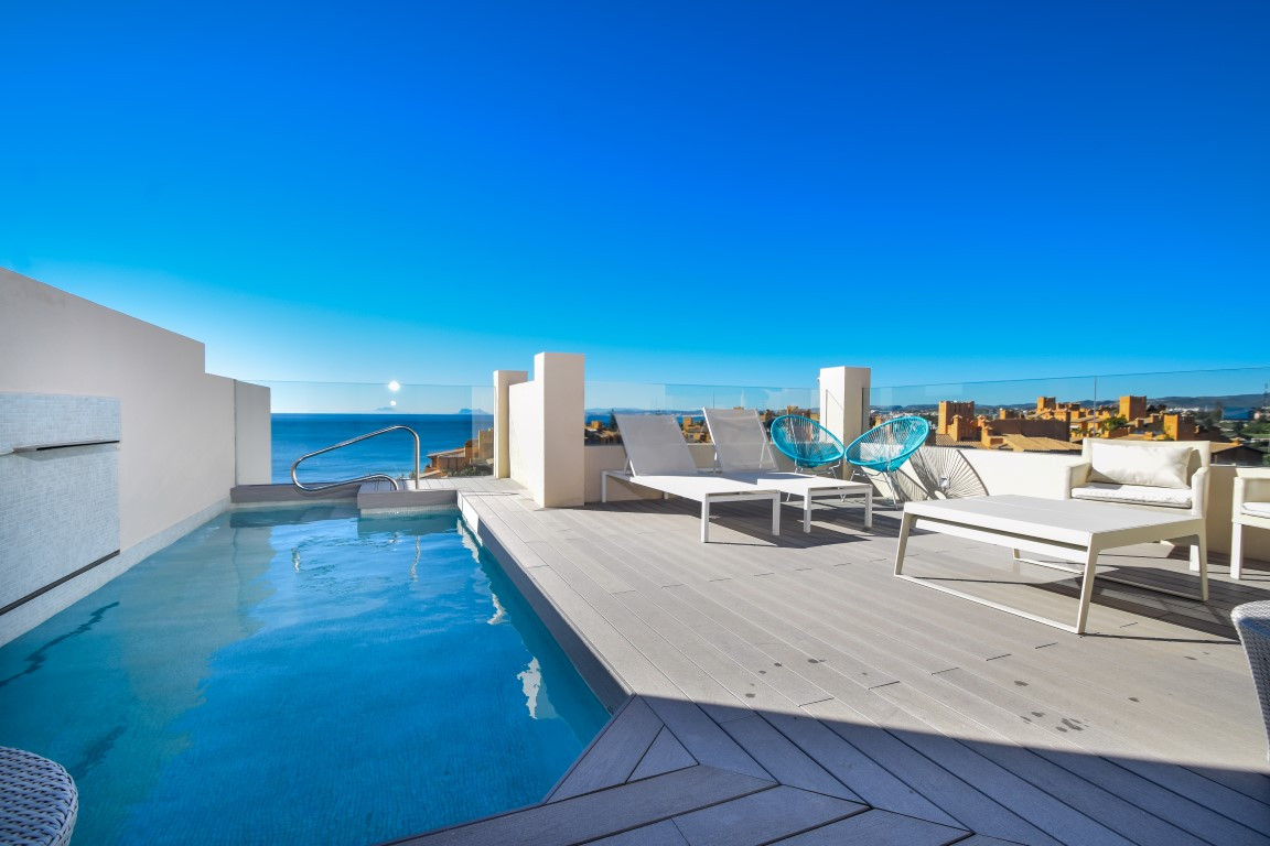 Exclusive Penthouse built and equipped with top quality materials and luxury finishing including Mar,Spain