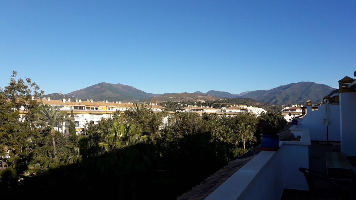 Penthouse in Dama de Noche, 5 minutes from the beach and Puerto Banus, an ideal place to live and en,Spain